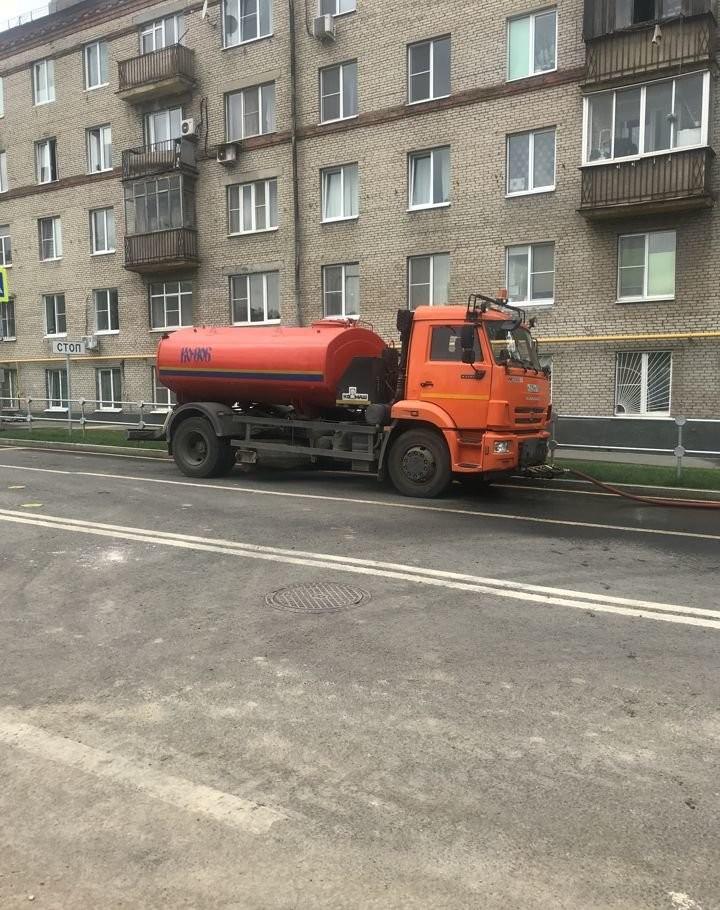 Привезем воду,аренда поливомоечной машины,водовоз - Москва, цены, предложения специалистов